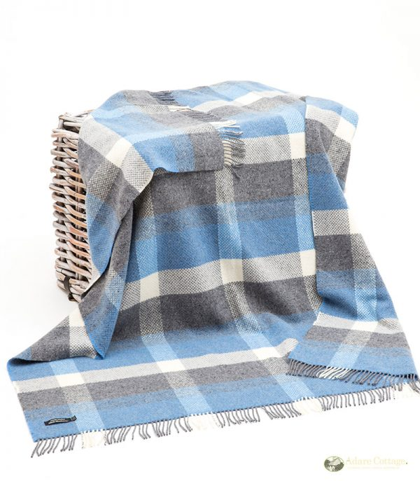 cashmere throw multicoloured sky blue grey